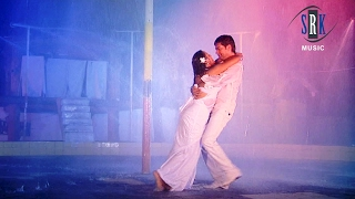 O Re Piya   O Sathiya Bahiya Mein Aava   Bhojpuri Movie Romantic Rain Song   Sun La Mitwa Hamar