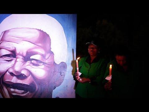 جنوب إفريقيا تُحيي الذكرى الأولى لوفاة نيلسون مانديلا