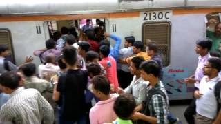 Crowd in local train| BORIVALI STATION | MUMBAI | AAMCHI MUMBAI