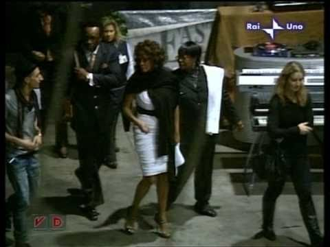 Whitney Houston - La vita in Diretta (22/10/2009)