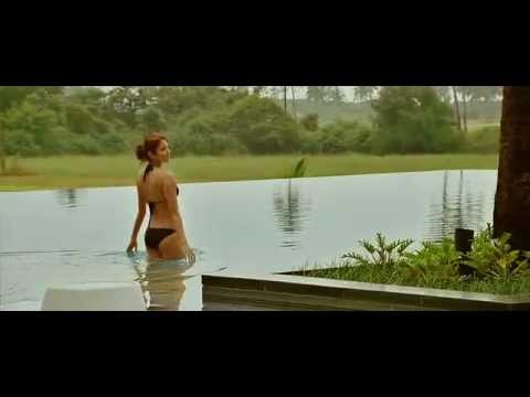 Anushka Sharma Kiss & Bikini Scene From The Movie Ladies Vs. Ricky Bahl video