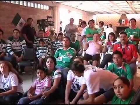 FAMILIA DE ORIBE PERALTA FESTEJA LA MEDALLA DE ORO