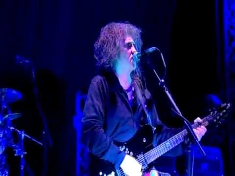 The Cure - Just Like Heaven (Live @ Bestival, 2011)