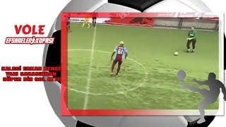 Vole Efsaneler Kupası | Kaleci Erkan kendi yarı sahasından süper bir gol attı!