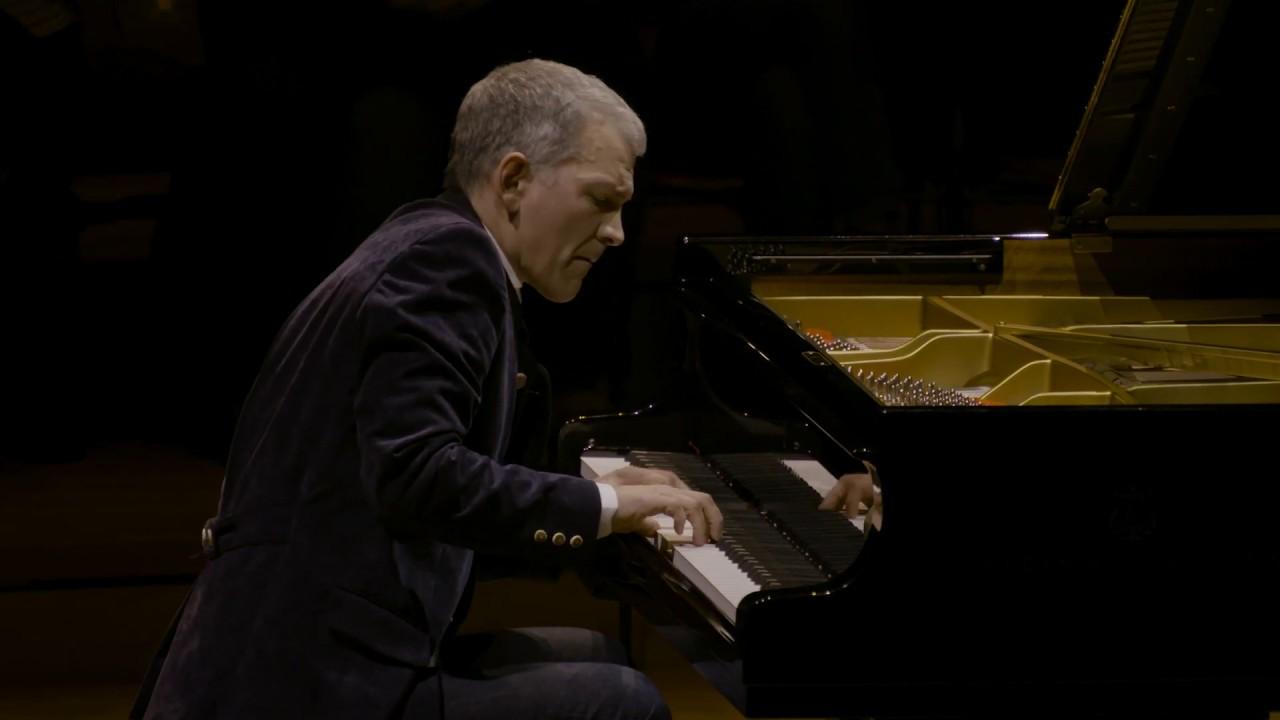 """Brad Mehldau - """"After Bach (Live at Philharmonie de Paris)""""Part1、Part2のライブ映像を公開 thm Music info Clip"""