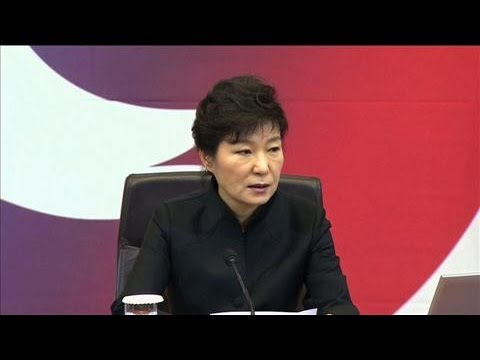 South Korea President Apologizes to Ferry Victims