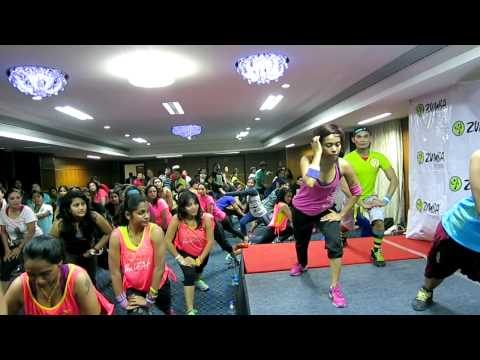 Zumba®- (bollywood-ishq Wala Love) Cool Down With Zes™ Sucheta Pal video