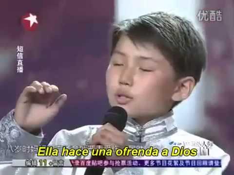 Ni ño Chino  canta a su madre que esta en el cielo sub español-