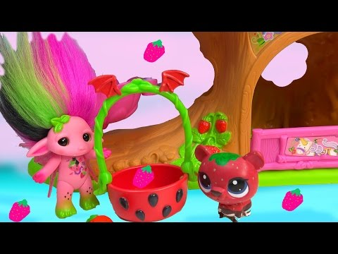 ZELF Vampula Vampire Playdoh Pink Strawberry Scented Troll Toy Playset Happy Videos Cookieswirlc