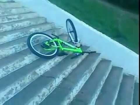 The Worse bicycle accident ever ! No helmets no protection... Huge stairway