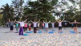Утренняя практика на пляже - пранаямы и медитация с Игорем Будниковым на Пангане
