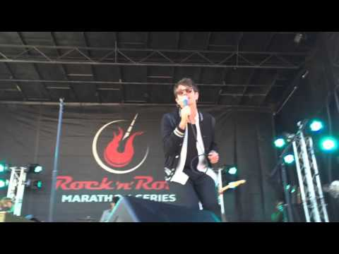 Nate Ruess & The Band Romantic - Time Bomb (Format cover) live