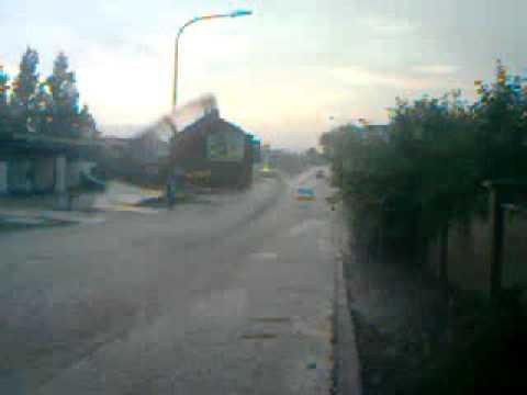 Trombe d 39 eau chatelineau sortie du cora le 05 06 2001 - Trombe d eau ...