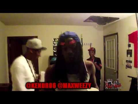 Kendro Rapping 2 Cash Out's Hold Up Beat(live) video
