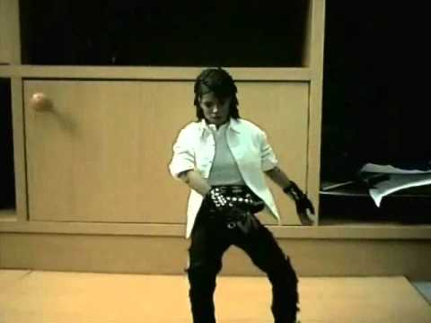 An animation of a michael jackson dance, done over 5 days, total pics = 1393 (dont ask about scw or armageddon on this video please, my wrestling stuff has b...