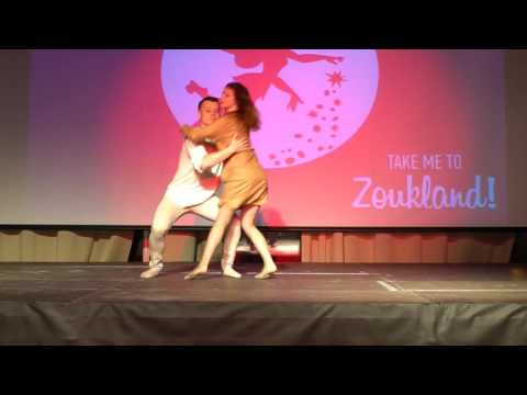 00096 RZCC 2016 Students Performance Shows 12 ~ video by Zouk Soul