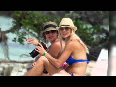Nothing Blue About Elin Nordegren's Bikini Bod | Splash News TV | Splash News TV
