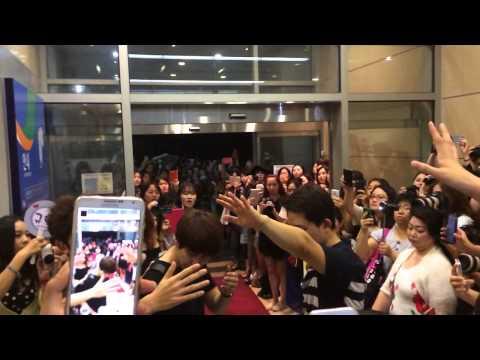 140803 Fancam Kyuhyun      after musical #SingingInTheRain