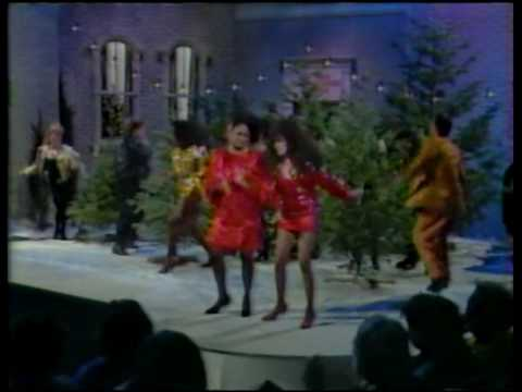 Darlene Love and Ronnie Spector - Christmas medley