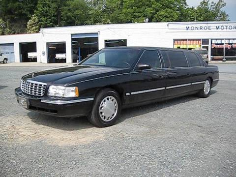 1998 Cadillac Deville 6 Door Limousine Start Up. Engine. and In Depth Tour