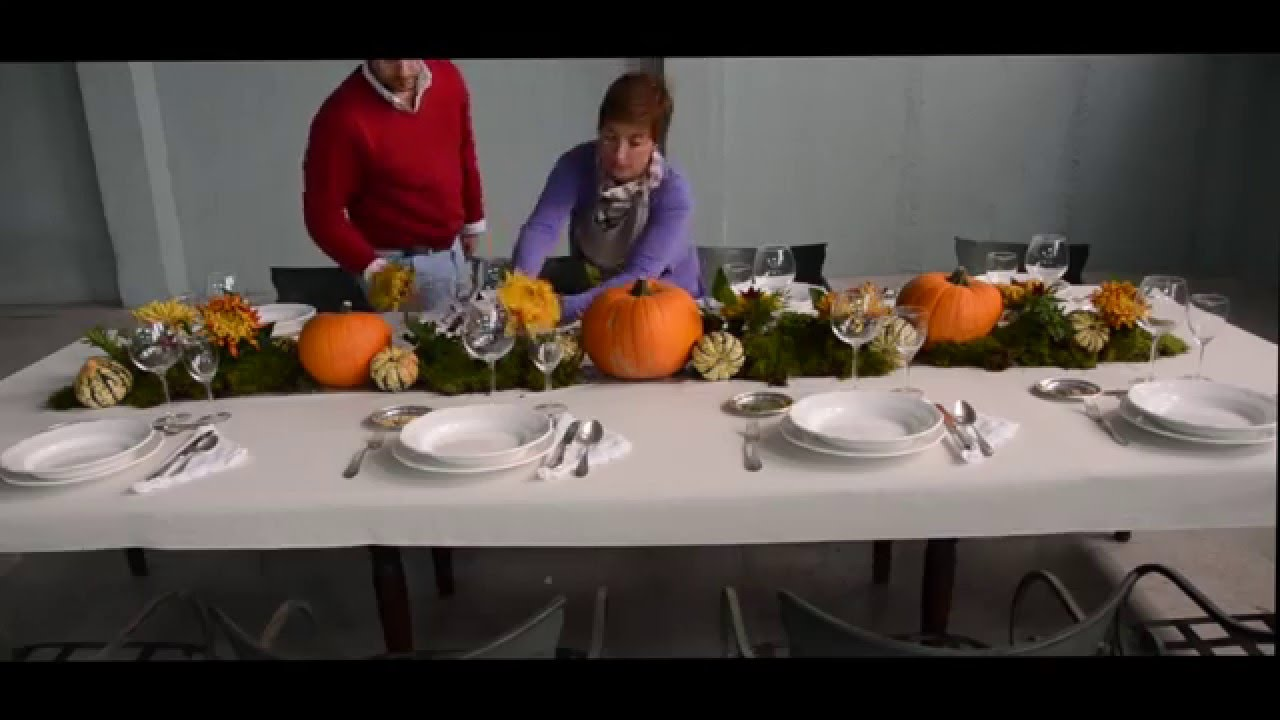 Decoracion de mesa con calabazas flores y velas youtube - Decoracion con velas ...