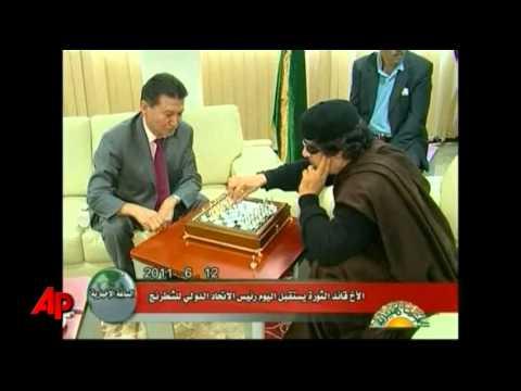 Raw Video: Gadhafi Takes on Chess World Champion