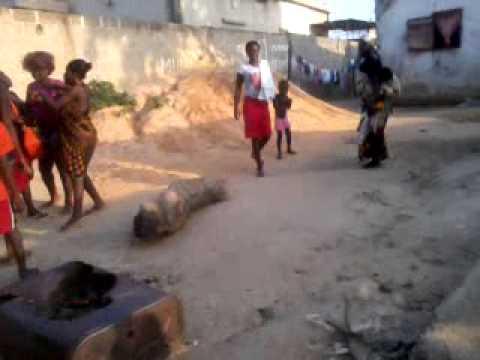 Luta na rua da Gentileza-B.A Victoria é Certa-Cabinda (Angola)