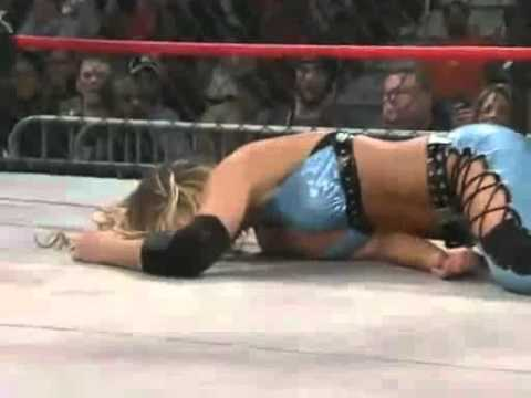 AwesomeKong vs Angelina Love Vs Taylor Wilde