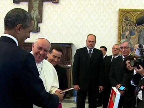 President Obama presents gift to Pope Francis
