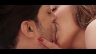 Bollywood Actress Sara Khan Hot Kissing Moment Video.