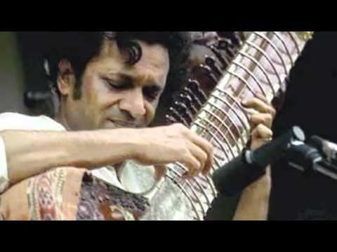 Pandit Ravi Shankar...Sitar  (Raag Bhatiyar)