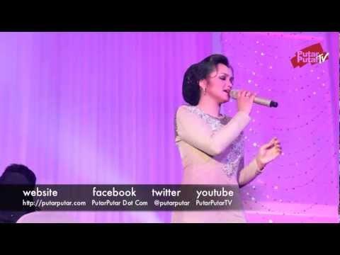 Siti Nurhaliza - Kasihnya Ibu (sepetang Bersama Siti Nurhaliza) Part 2 15 video