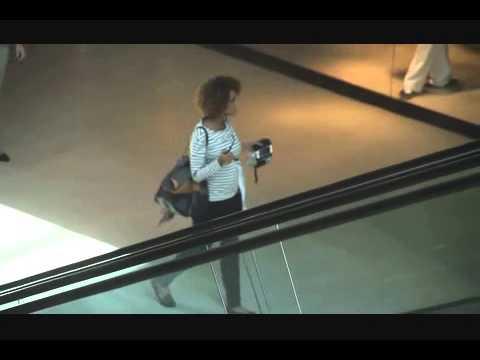 Grávida pela segunda vez, Taís Araújo passeou em shopping do Rio