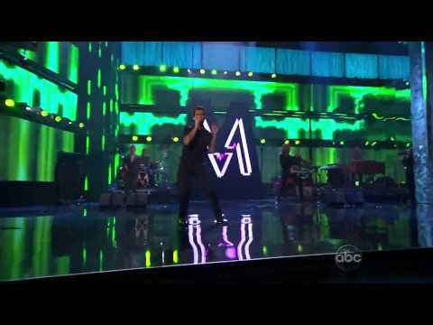 Maroon 5 - Moves Like Jagger feat. Christina Aguilera