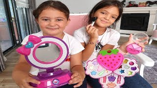 Elif Öykü and Masal Pretend Play with Makeup Play Table Toys, Fun kids video
