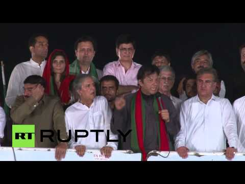 Pakistan: Khan calls on massed supporters to oust Sharif, 'like Mubarak in Tahrir Square'