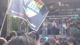 download lagu Lampu Merah Rasta - Aku Dan Kamu Punya History gratis