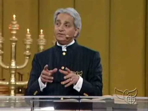 Benny Hinn - The Glory of God's Presence (3)