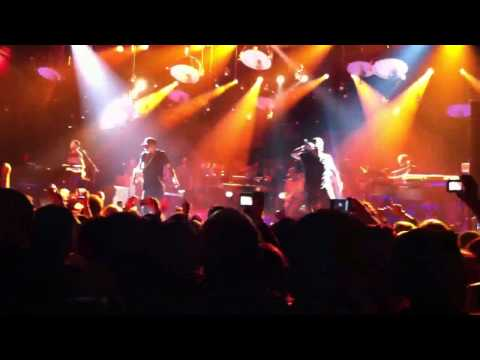 Jay-Z - 99 Problems/Big Pimpin'/Dirt Off Your Shoulder - Live at Roseland Ballroom (5/18/11)