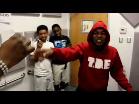 Kendrick Lamar Freestyles Using Words Off Note Cards!