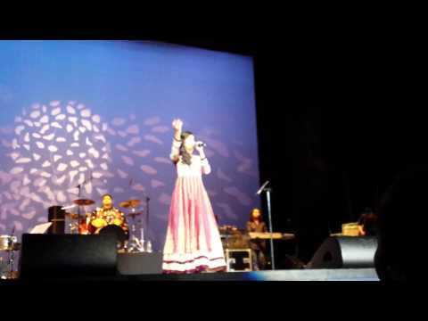 Shreya Ghoshal - Lag Ja Gale, A tribute to Lata Mangeshkar Live in Holland 2014