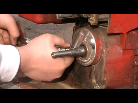 How to clean briggs stratton points and condenser how to for Briggs and stratton motor locked up