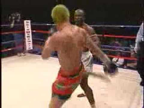 Muay Thai Knees, Bloody Elbow Strikes & Knockouts Image 1
