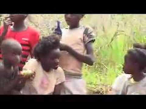 Waarmee spelen kinderen in Afrika?