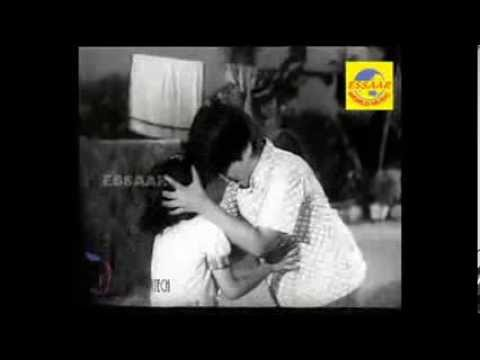 Thumbi Thumbi Thullan Vaayo - Aparaadhi video