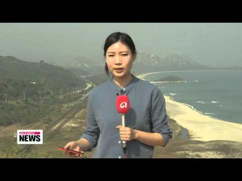 War-separated South and North Koreans reunite   오늘 1차 이산가족상봉 시작