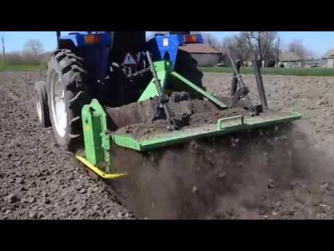 Вспашка огорода трактором МТЗ 82 - YouTube
