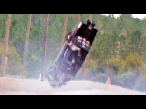 HUGE CRASH AT NO MERCY 7 - MARTY STINNETT PRO DRAG RADIAL MUSTANG!