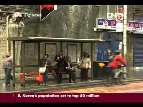 Bus drivers strike before London Olympic, disputing on Games working bonus pay