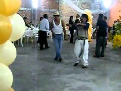 Borrachos Bailando Tribal video